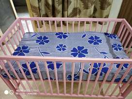 Cot for babies with mattress