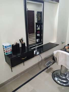 1 month use saloon furniture and accessories