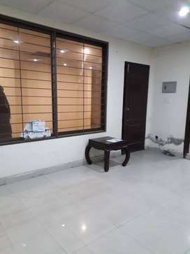 400 sqft office available for RENT main boulevard gulberg lahoer