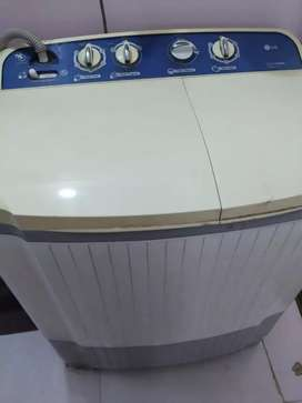 LG 7 kg semi automatic washing machine - EXCELLENT CONDITION