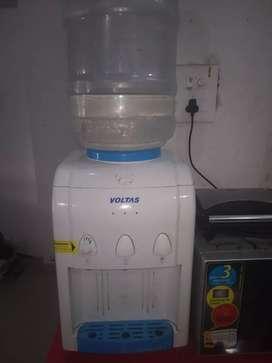 Voltas Water filter Dispenser (Excellent Condition)