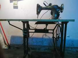 Speed tailoring machine with motor