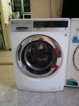 Mesin Cuci Electrolux 10 KG Touch Screen