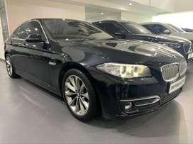 BMW 520i Modern F10 2014 Black Sapphire on Cinnamon
