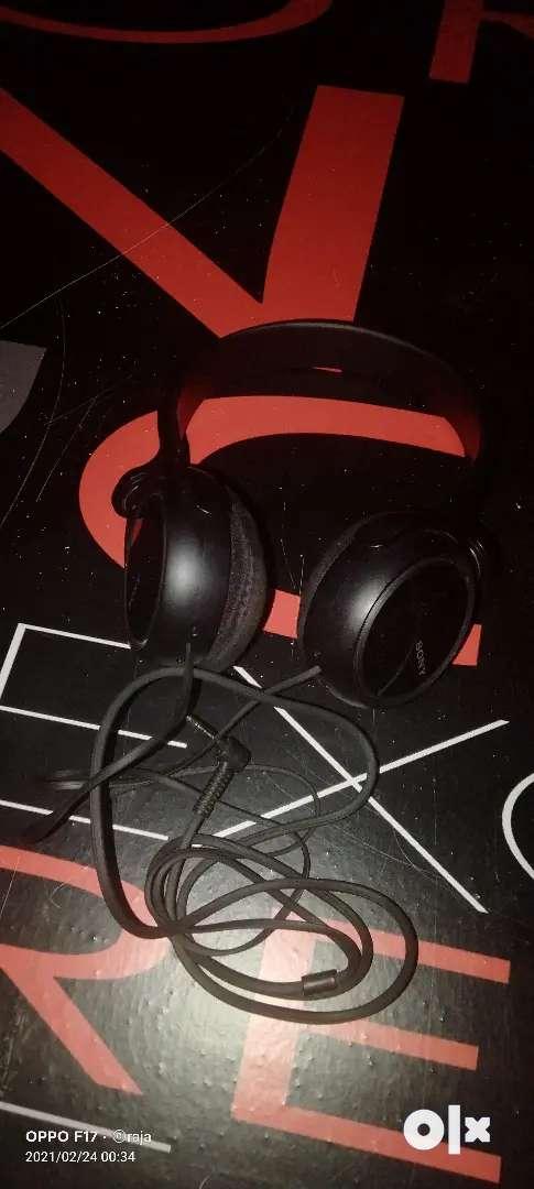 Sony headphone 0