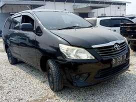 Toyota Innova J Manual 2014 (harga lelang)