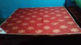King size bed Mattress 1 month old