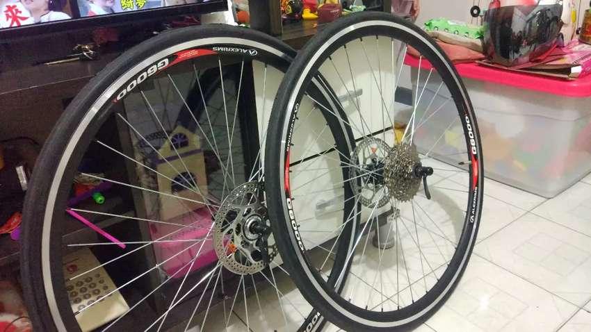 Wheelset roadbike 700c 0