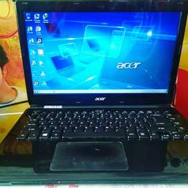 Laptop Acer E1 410