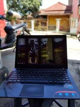 Laptop lenovo idealpad slim tipis siap pakai