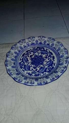 Pajangan piring keramik