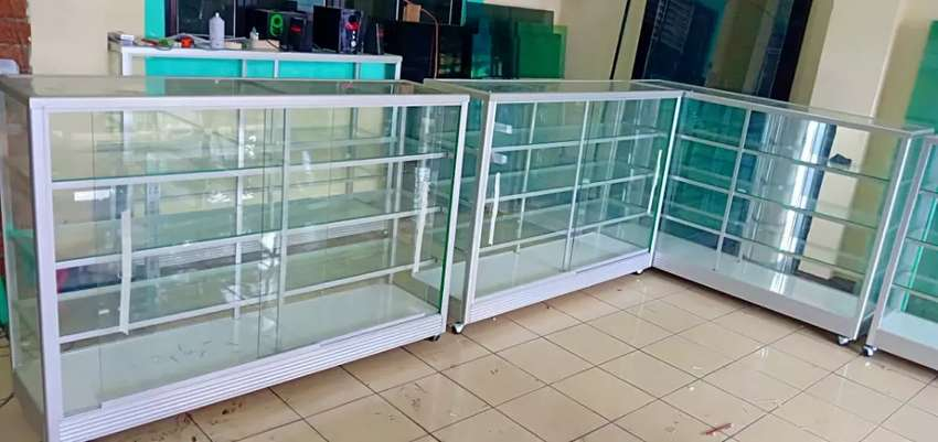 Pembuatan etalase kaca baru yg multifungsi   harga terjangkau gan   0