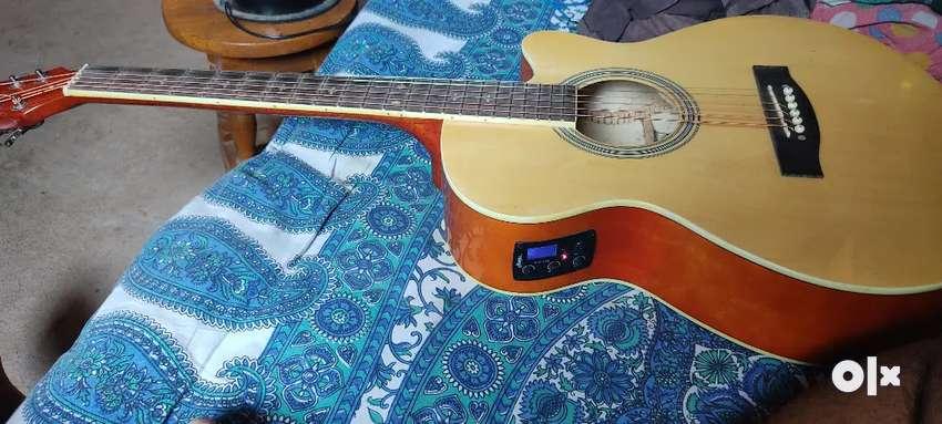 Hertz A-4000 semi accoustic guitar