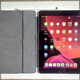 "iPad Pro 9.7"" 128GB Wifi+Cellular Sepaket Apple Pencil dan Keyboard"
