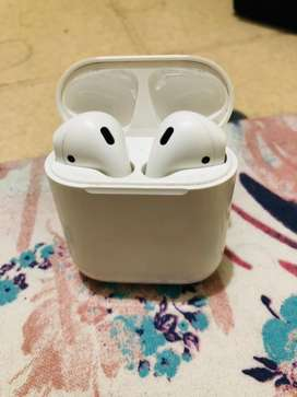 Apple Airpods with Bill & Box