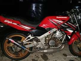 Kawasaki Ninja ss 2014,warna merah kondisi istimewa