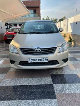 Toyota Innova 2012 Diesel Well Maintained 8-STR