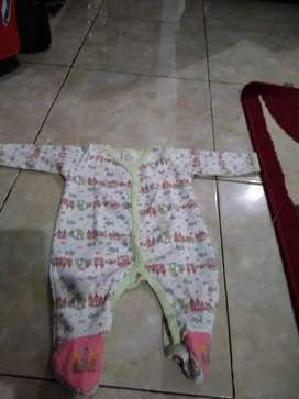 Jumpsuit bayi < 6 bulan