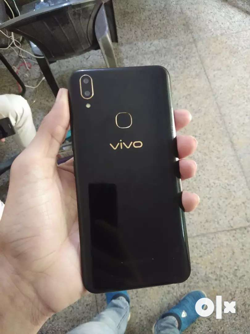 Vivo v9 4gb 8 months old with bill 0