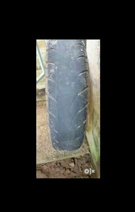 Used NS 200 tyre