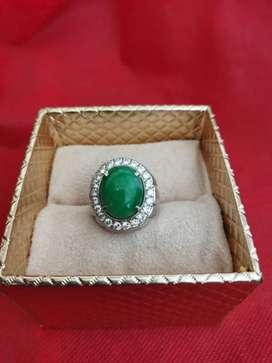 Cincin Eropa Pria Berlian Giok Birma Apple Green Kode 015