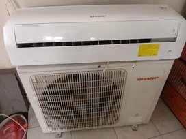 AC Sharp 1pk kondisi normal