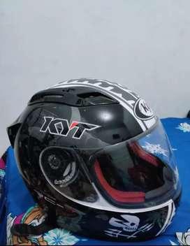 Helm full Face kyt RC-7 Series Kondisi 90%