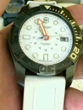 Victorinox Swiss Army Dive Master 500 Meters White Dial 241559