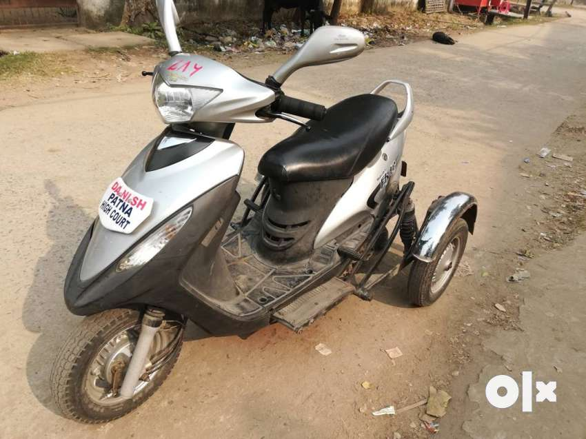 Mahindra Flyte modified scooty for disabled and old people. 0