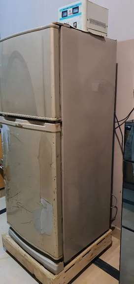 EXCELLENT CONDITION DAWLANCE FRIDGE ONLY 2 YEAR USE ONLY