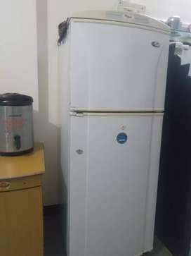 Whirlpool fridge for large family, 220 ltr