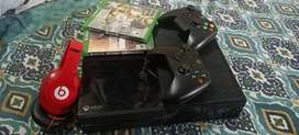 Xbox one 500GB 2 controller and ganes