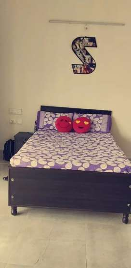 bed single with matress