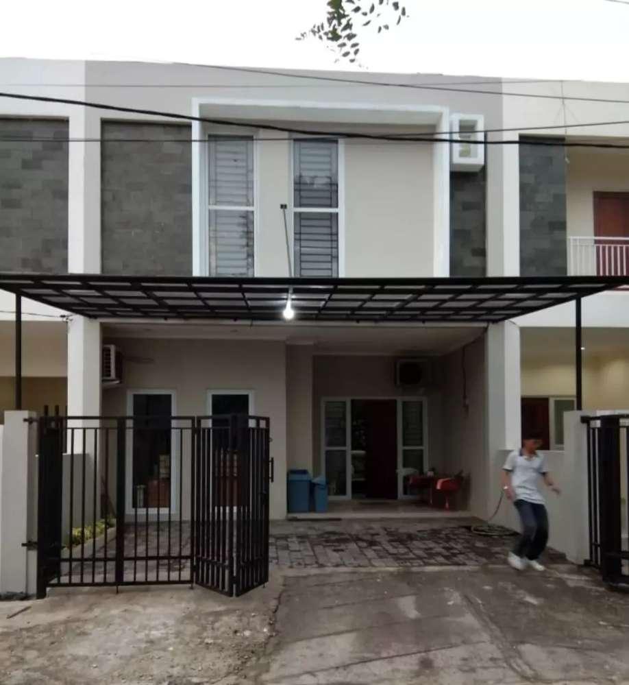 rumah mewah 2 lantai siap huni diperumahan jakarta selatan