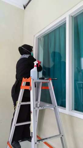 Pengawas Cleaning Service danTenaga Cleaning Service