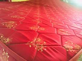 Queen size duroflex mattress
