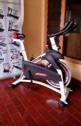 Sepeda Statis Spinning Bike // Runner OD 13T53