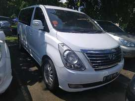 Hyundai H1 2.5 Diesel AT 2012