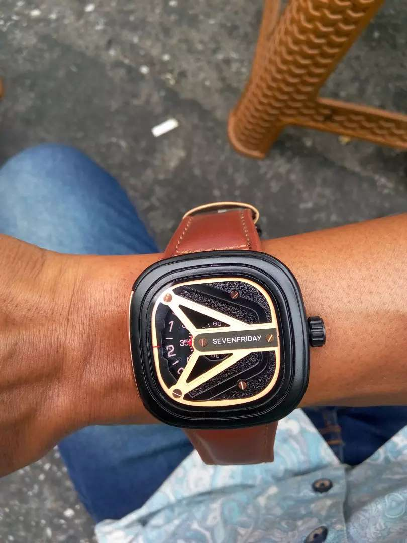 Jam tangan model petak merek sevenfriday crono dan tgl hidup mewah 0
