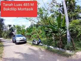 Tanah Toko / Rumah Pinggir Jalan Desa Bakdilip Montasik. Luas 440 M