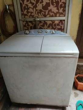 Videocon 7.5 kg semi automatic top loaded washing machine