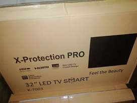 Brand new 32 smart led tv with replacement