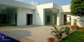 2.5Acres farm house for sale in Ghitorni MG Road New Delhi