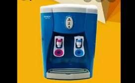 Dispenser air merk 'Sanex' panas & normal, praktis