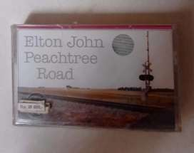 kaset pita original album ELTON JOHN PEACHTREE ROAD.  Kondisi segel