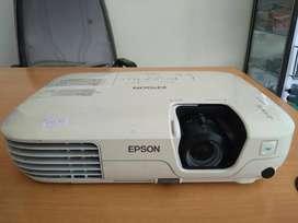 Lcd proyektor Epson EB-X 9, siap pakai