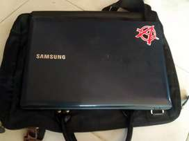 Laptop Samsung 27SE4E Amd E1-1500 Apu with radeon