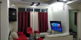 female sharing luxury flat for 5000