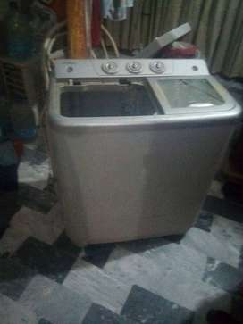 kenwood washing machine with dryer in runing condition