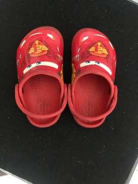 Sandal merk crocs